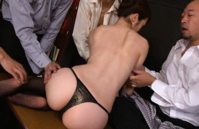 Maki Houjo Asian doll gets her pussy spread wide for a peek