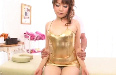 Saori Kurata Asian babe pokes and rubs her pussy