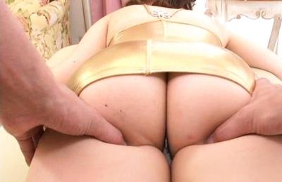 Saori Kurata Asian babe pokes and rubs her pussy