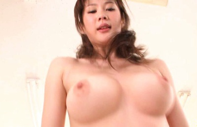 Erika Kirihara Hot Asian model has a lovely body