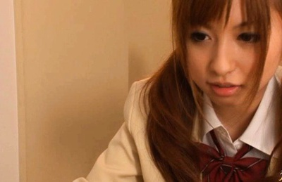 Sexy school girl Kokomi Naruse learns how the plat the meat flute.