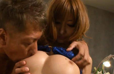 Kirara Asuka gets cum in her mouth!