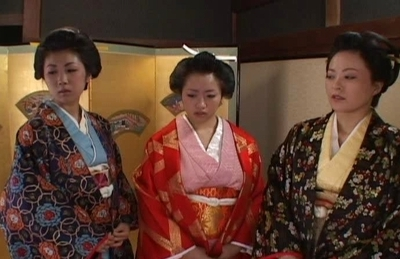 Japanese Gals Are Having Fun In Costumes