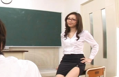 Asahi Miura Sexy Asian teacher enjoys sex with her horny students