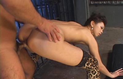 Mimi Asian doll enjoys a threesome